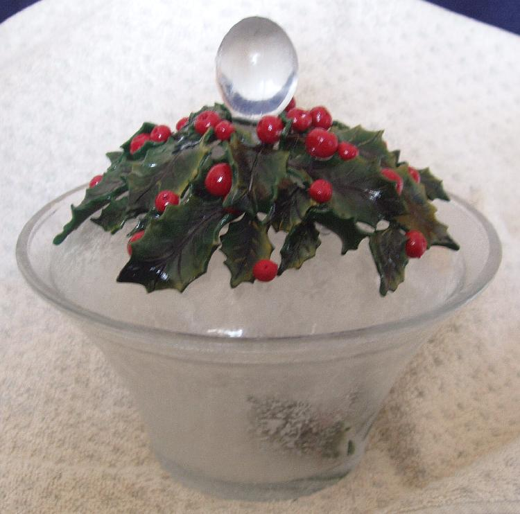Texturized Dish with Dimensional Holly