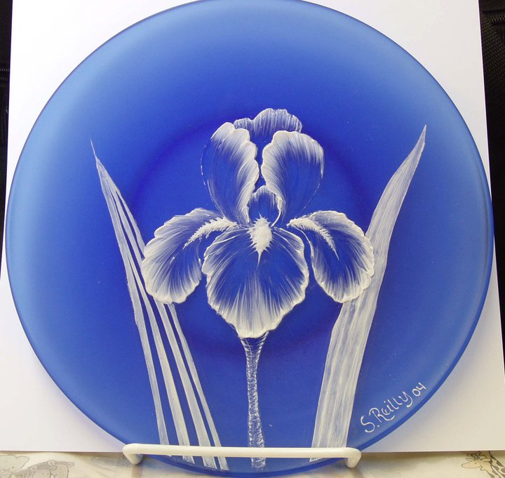 Etched Plate with Dimensional Iris