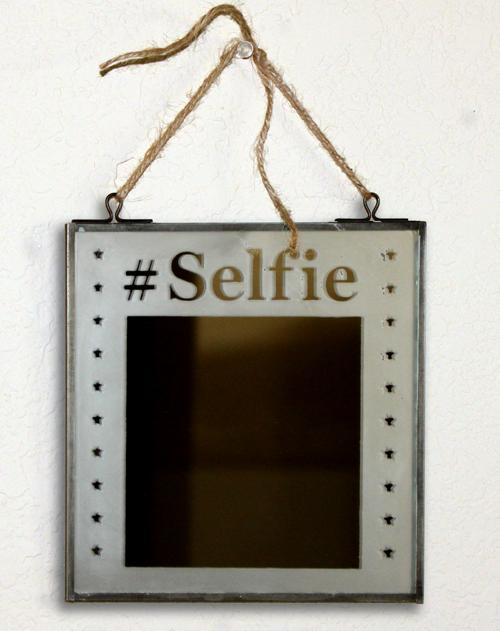 """Selfie"" Mirror"