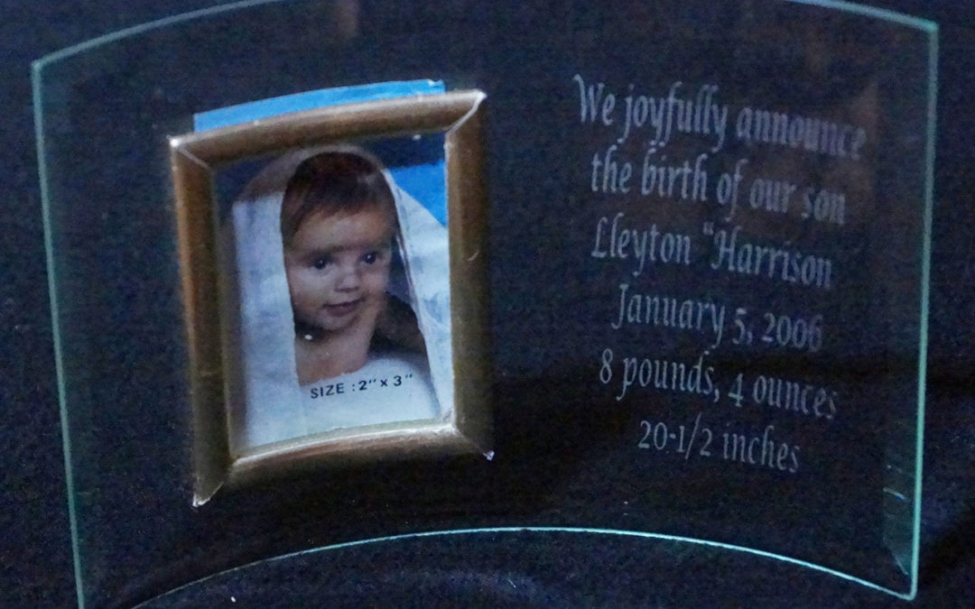 Curved Glass Frame for Baby